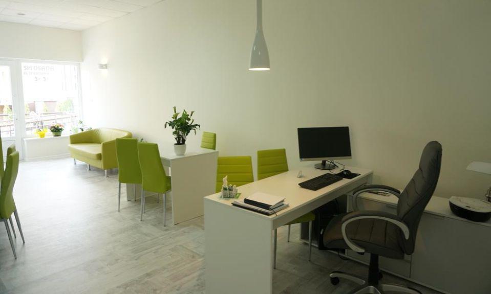 Przytulne biuro z akcentami zieleni